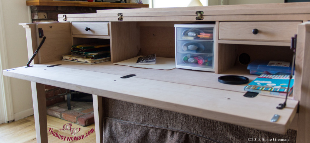3 Keys to Desk Organization by The Busy Woman thebusywoman.com
